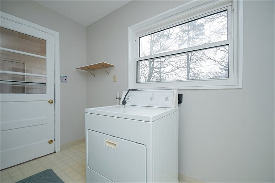 Real Estate Photography - 120 Carlie Rd, Wilmington, DE, 19803 - Laundry