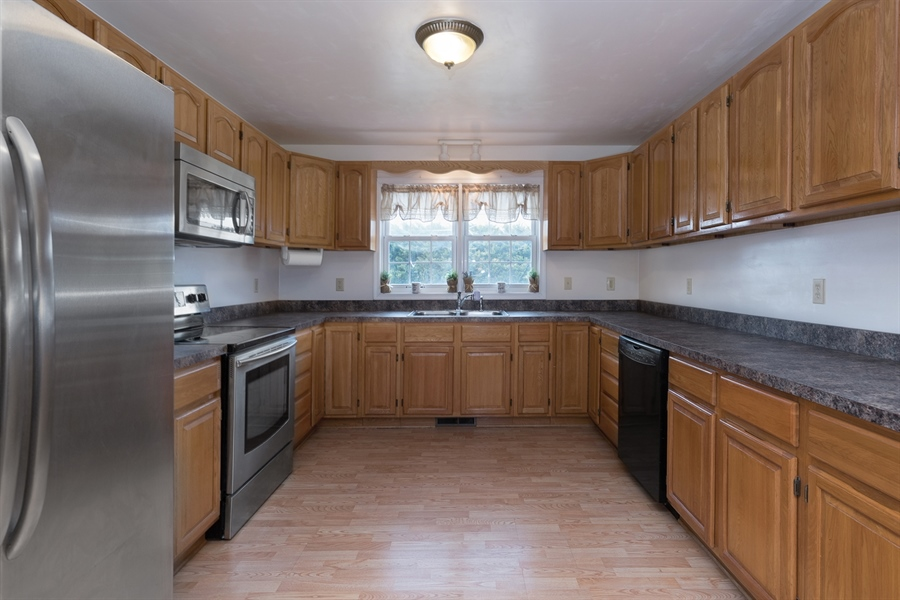Real Estate Photography - 70 Stoney Battery Rd, Earleville, MD, 21919 - APPLIANCES CONVEY