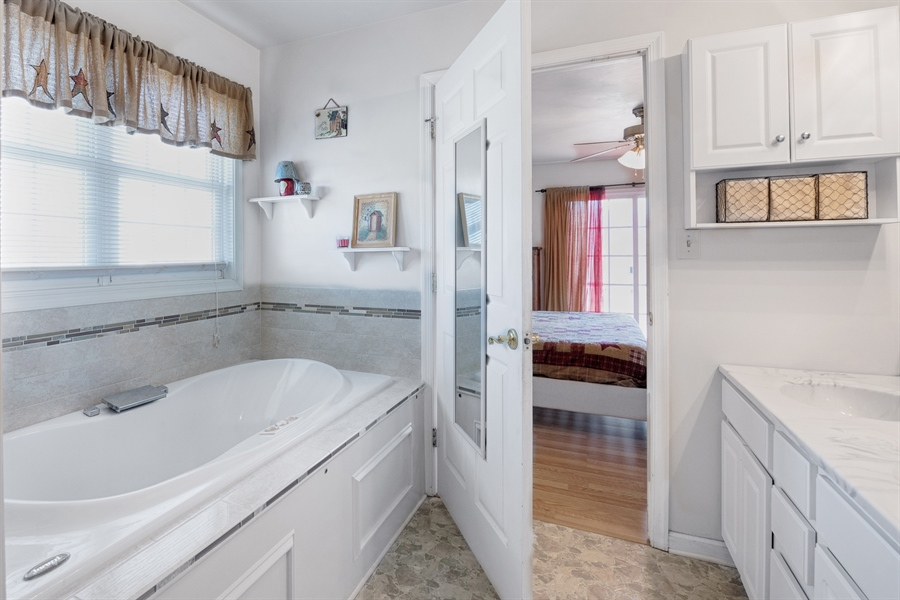 Real Estate Photography - 70 Stoney Battery Rd, Earleville, MD, 21919 - MASTER BATH WITH SOAKING TUB