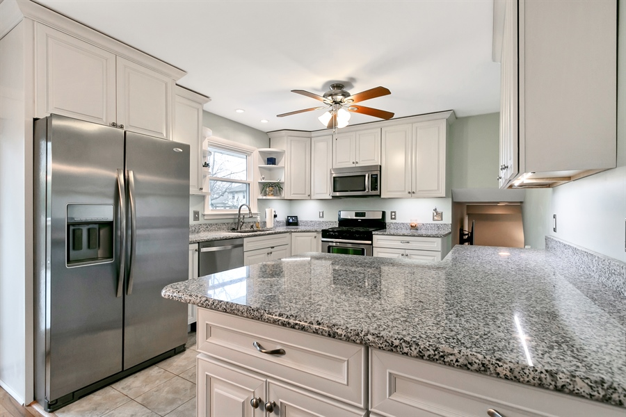 Real Estate Photography - 2015 Gravers Ln, Wilmington, DE, 19810 - Recently remodeled kitchen