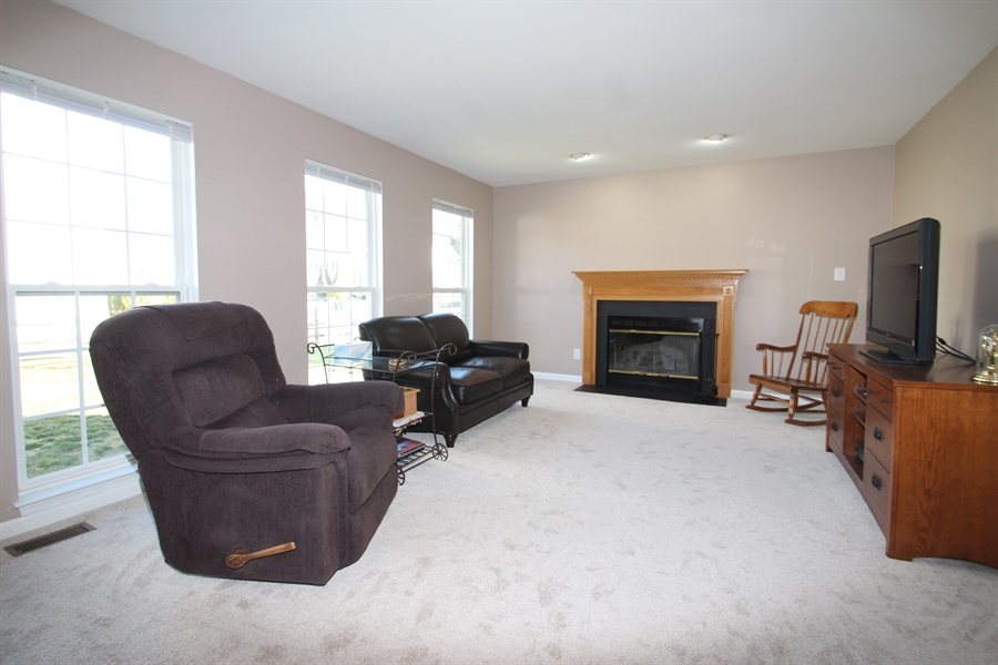 Real Estate Photography - 3 Thunder Gulch, Newark, DE, 19702 - Family Room