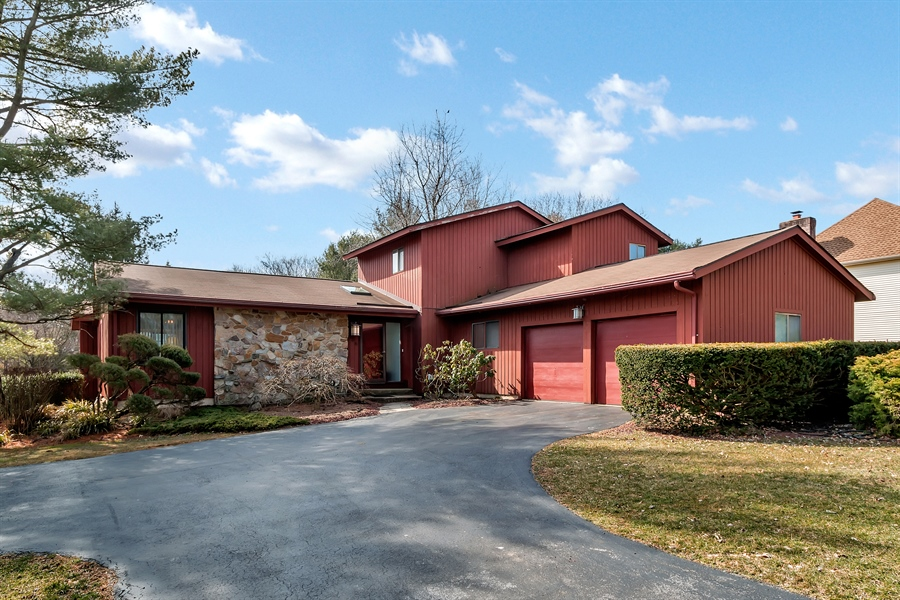 Real Estate Photography - 128 Country Flower Rd, Newark, DE, 19711 - Location 1