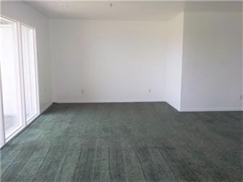 Real Estate Photography - 5201 Le Parc Drive #2, 2, Wilmington, DE, 19809 - Living Room