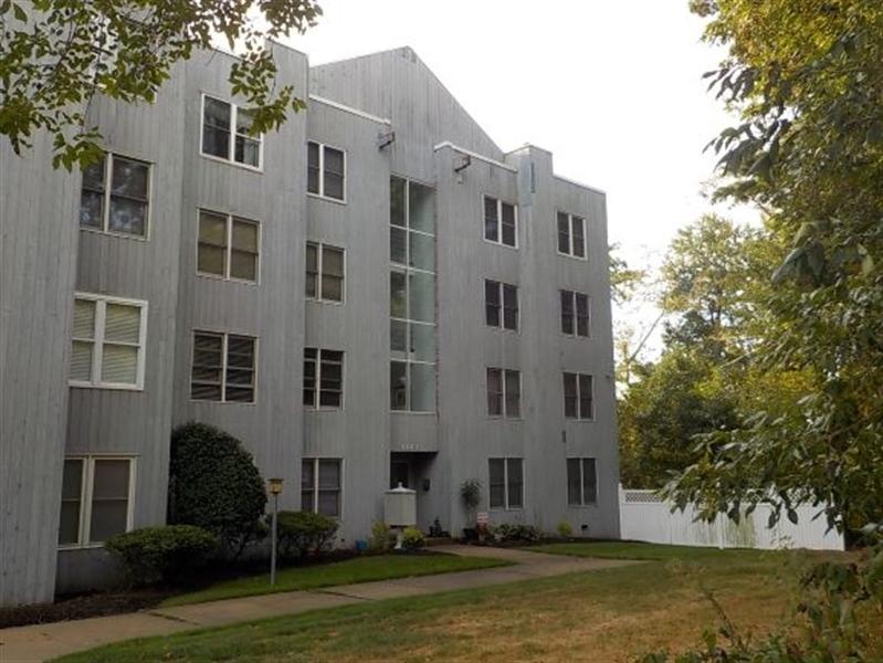 Real Estate Photography - 5201 Le Parc Drive #2, 2, Wilmington, DE, 19809 - Location 20