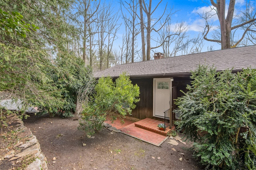 Real Estate Photography - 636 Woodview Dr, Hockessin, DE, 19707 - Location 2