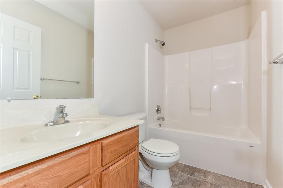 Real Estate Photography - 106 Ben Boulevard, Elkton, DE, 21921 - Entry level full bath