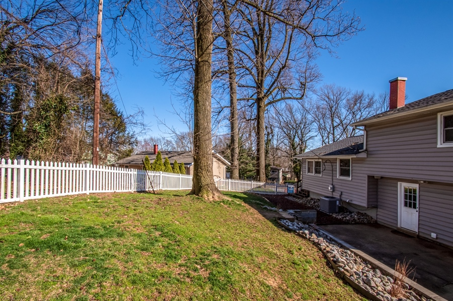 Real Estate Photography - 103 Compass Dr, Claymont, DE, 19703 - Hardscaping