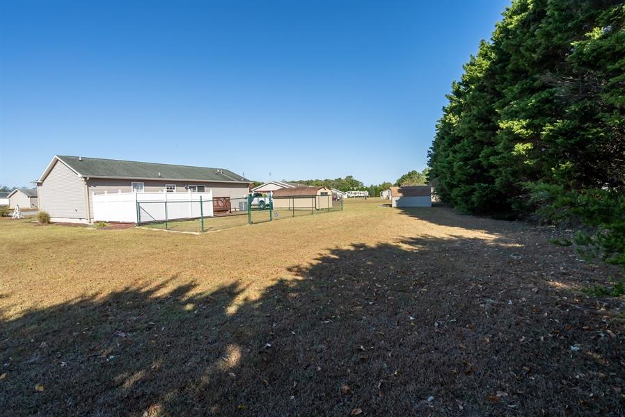 Real Estate Photography - 3 Beacon Cir, Millsboro, DE, 19966 - Storage sheds