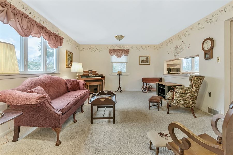 Real Estate Photography - 26 N Cliffe Dr, Wilmington, DE, 19809 - Family Room - Great For Gatherings!