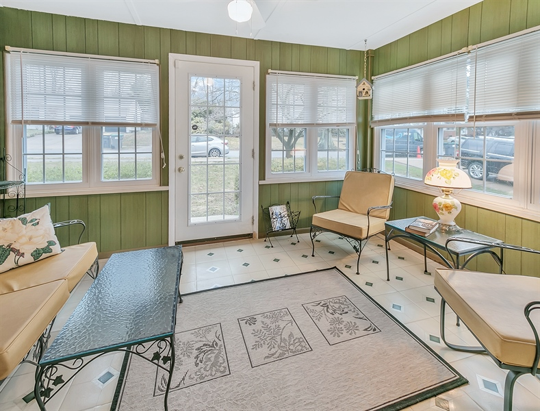 Real Estate Photography - 26 N Cliffe Dr, Wilmington, DE, 19809 - A Very Sunny Sun Room! Enjoy The Views!