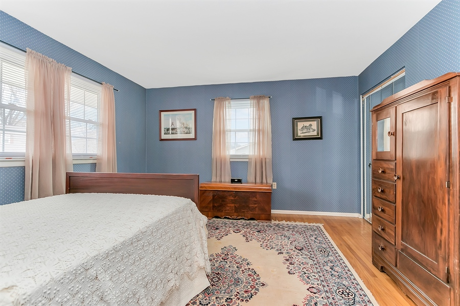 Real Estate Photography - 26 N Cliffe Dr, Wilmington, DE, 19809 - Another Bedroom With Abundant Windows