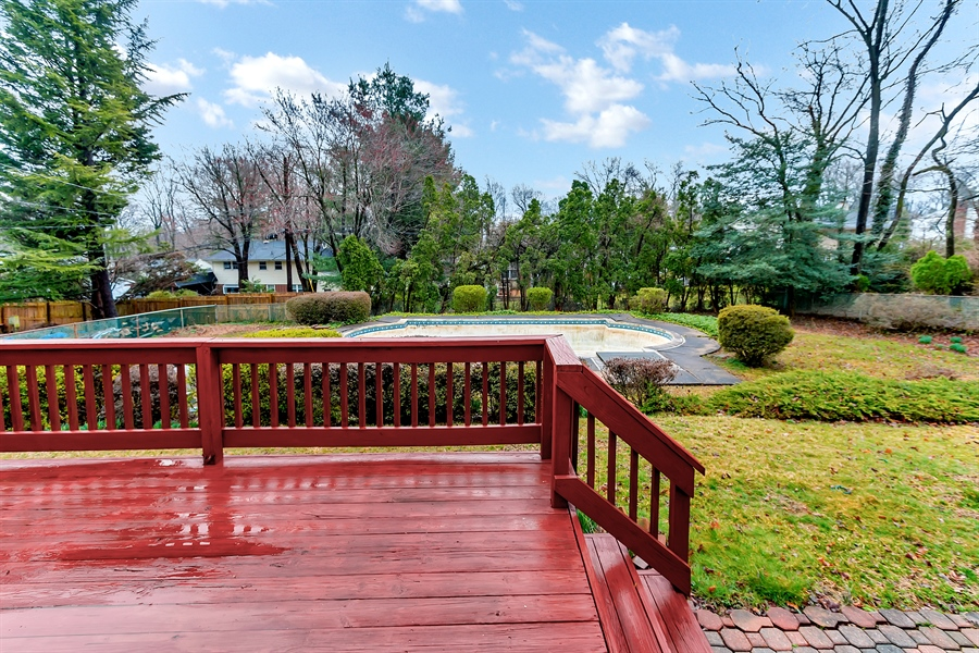 Real Estate Photography - 26 N Cliffe Dr, Wilmington, DE, 19809 - Nice Deck With Great Views!