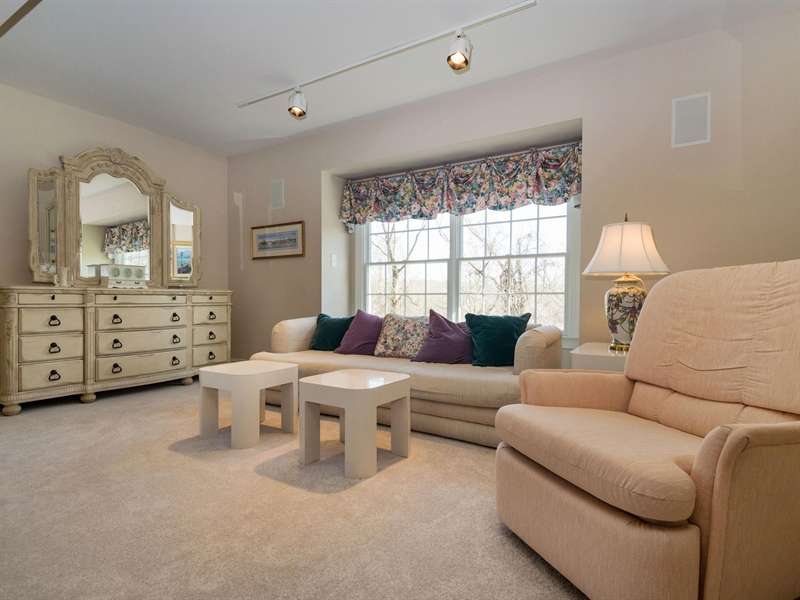 Real Estate Photography - 1110 Alexander Ln, West Chester, PA, 19382 - Master Sitting Area