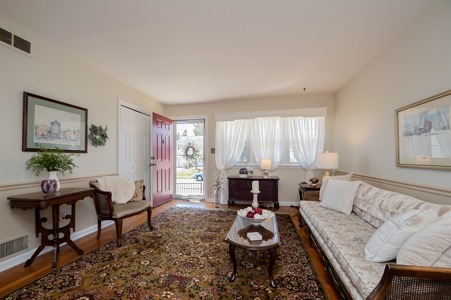 Real Estate Photography - 1013 Kendall Rd, Wilmington, DE, 19805 - Lovely Living Room