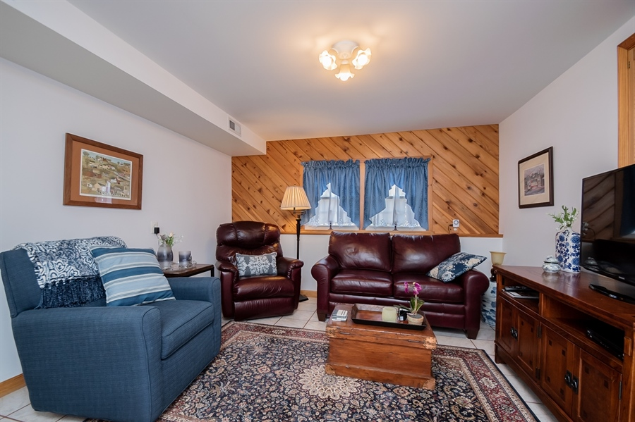 Real Estate Photography - 1013 Kendall Rd, Wilmington, DE, 19805 - Cozy Family Room