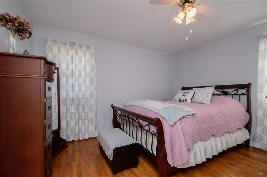 Real Estate Photography - 1013 Kendall Rd, Wilmington, DE, 19805 - Large Owners Bedrom