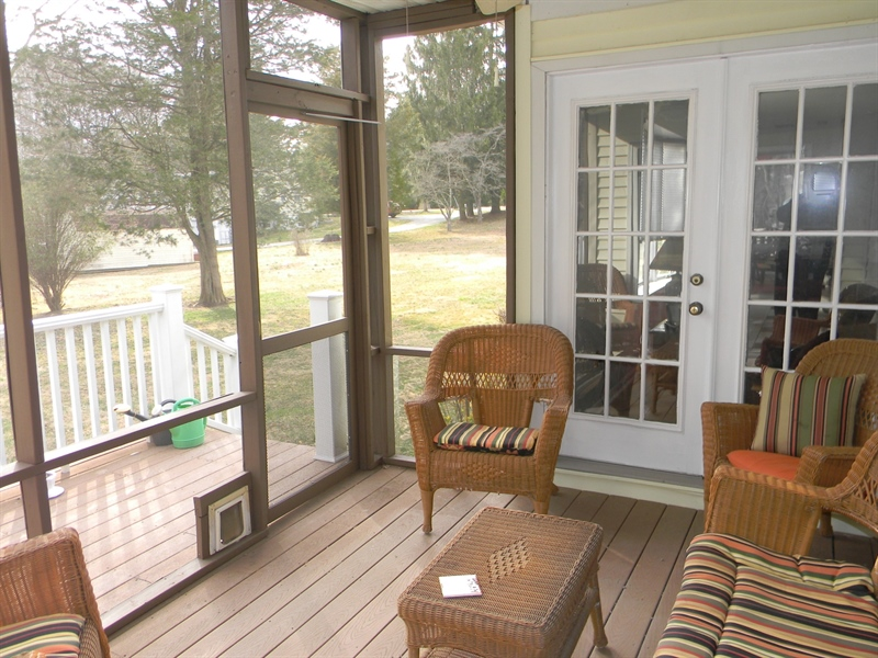 Real Estate Photography - 4 N Parkway, Elkton, MD, 21921 - Screened Porch
