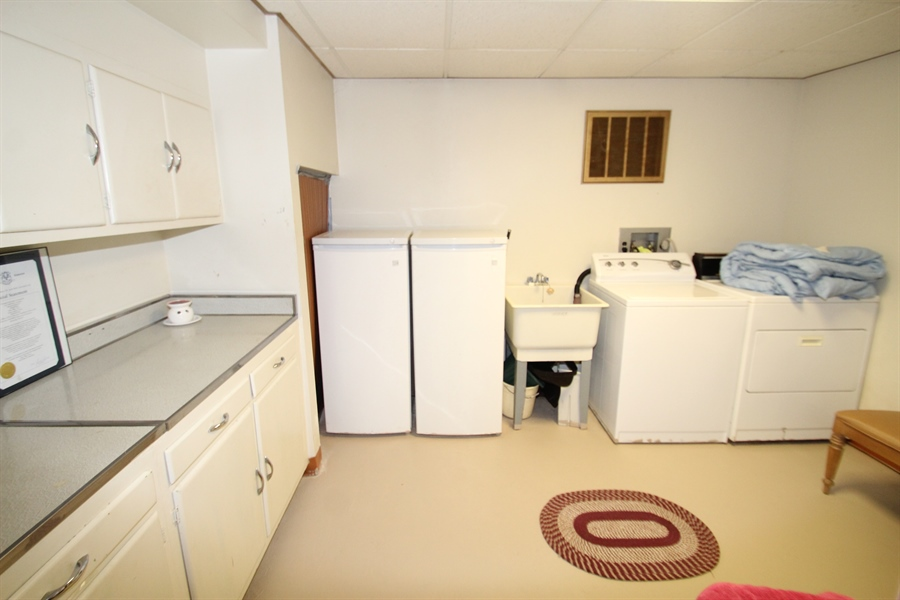 Real Estate Photography - 34 Guenever Dr, New Castle, DE, 19720 - Laundry Room