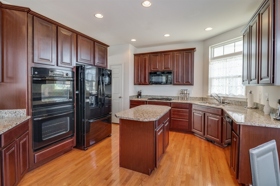 Real Estate Photography - 198 Harvest Grove Trl, Dover, DE, 19901 - Kitchen w/ double wall oven
