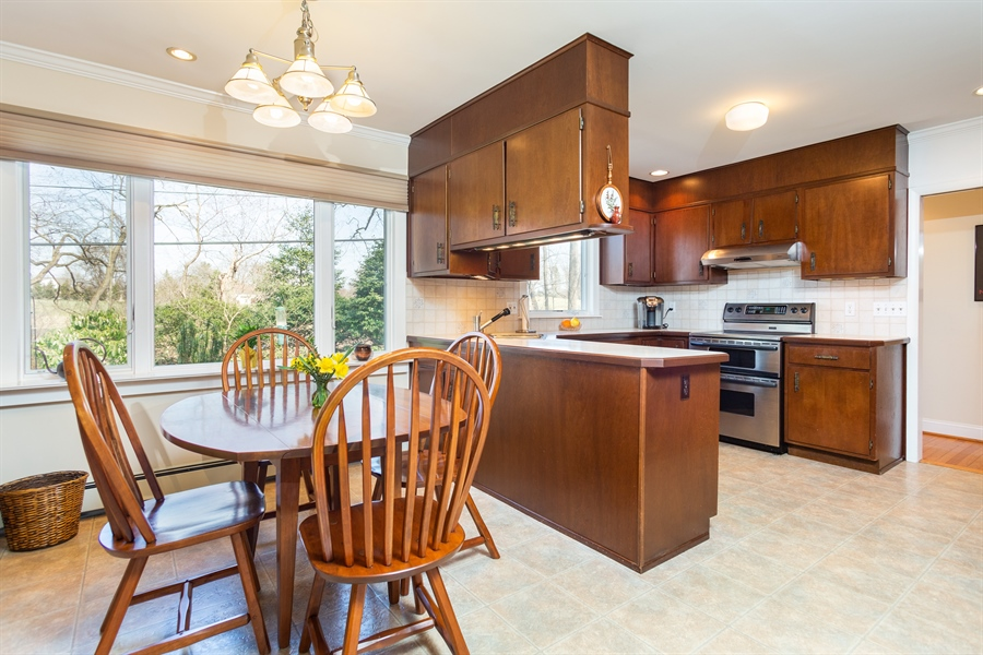 Real Estate Photography - 3804 Valley Brook Dr, Wilmington, DE, 19808 - Kitchen