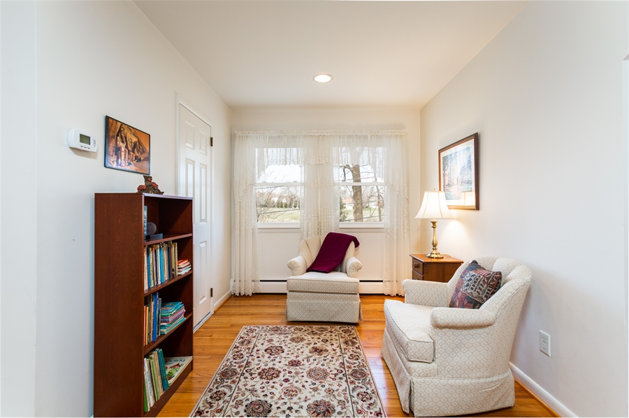 Real Estate Photography - 3804 Valley Brook Dr, Wilmington, DE, 19808 - Second Floor Master Sitting Area