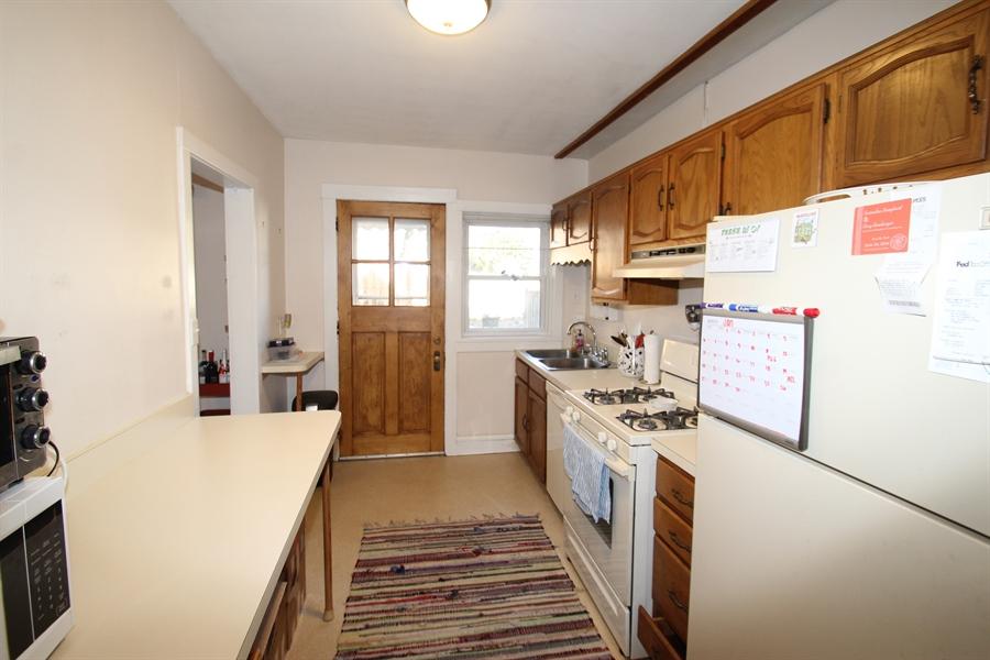 Real Estate Photography - 425 Bancroft Parkway, Wilmington, DE, 19805 - Kitchen