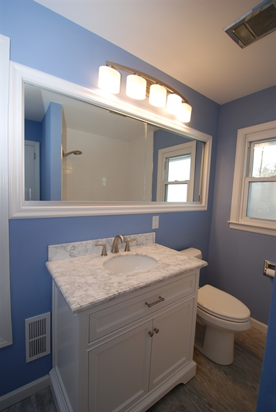 Real Estate Photography - 1001 Wagoner Dr, Wilmington, DE, 19805 - full bathroom