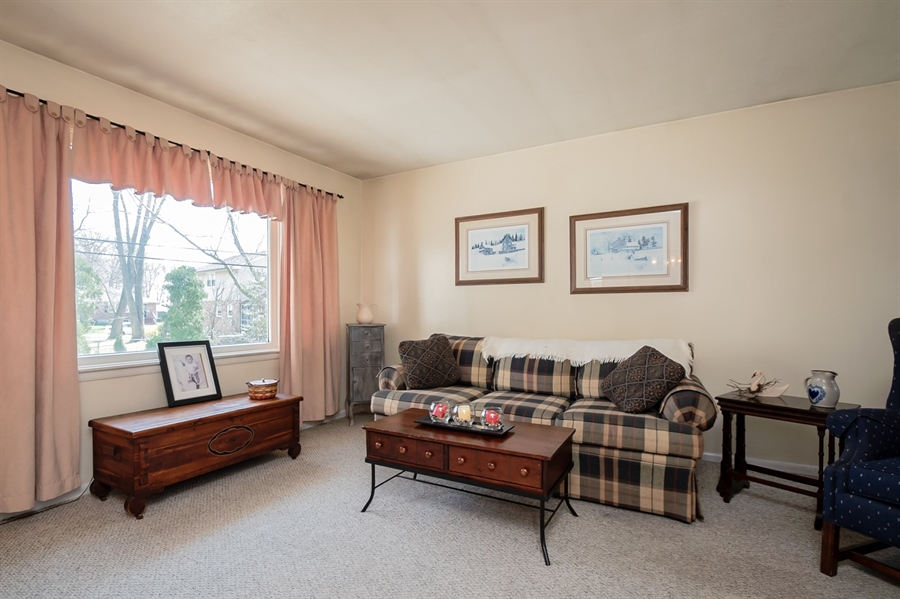 Real Estate Photography - 2415 W Eric Dr, Wilmington, DE, 19808 - Living room has a large picture window!