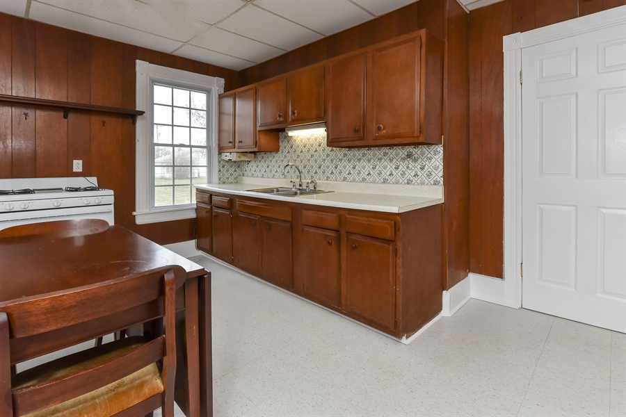 Real Estate Photography - 176 Main St, Warwick, MD, 21912 - Big Country Kitchen, 16 x 15