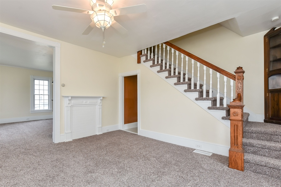 Real Estate Photography - 176 Main St, Warwick, MD, 21912 - Living Room, 15 x 14, new carpet