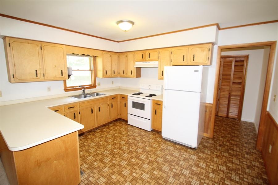 Real Estate Photography - 453 Howell School Rd, Bear, DE, 19701 - Kitchen