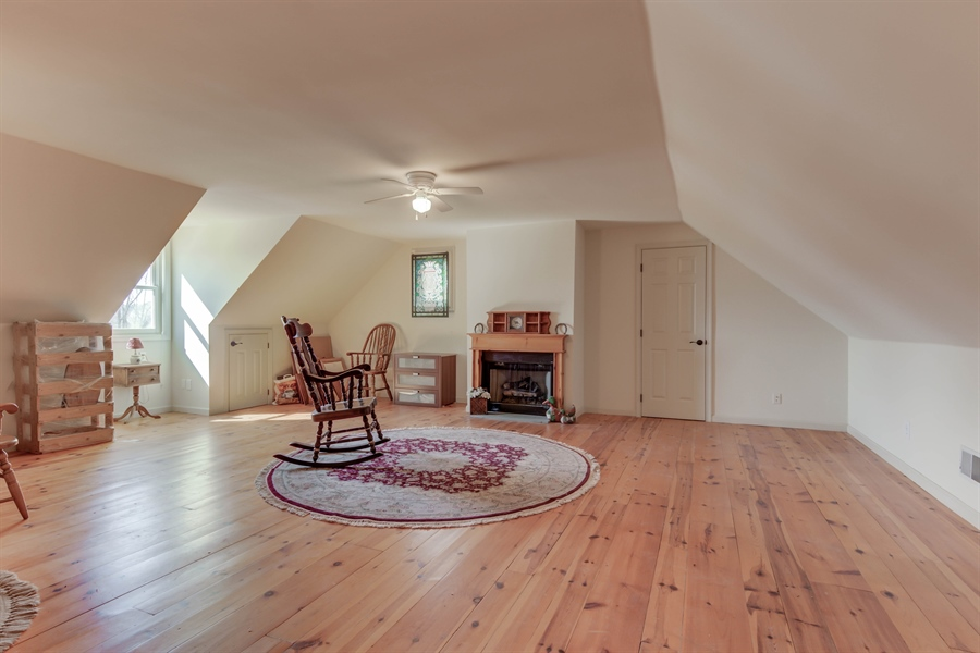 Real Estate Photography - 943 Sills Mill Rd, Kennett Square, PA, 19348 - Location 26
