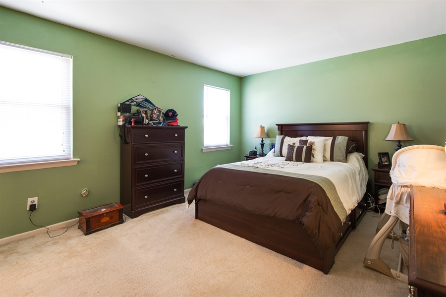 Real Estate Photography - 258 Green Ln, Newark, DE, 19711 - Master Bedroom w/En Suite Full Bath