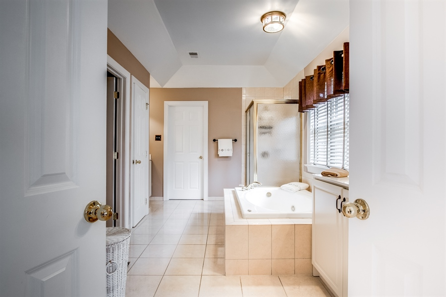 Real Estate Photography - 131 Viburnum Dr, Kennett Square, PA, 19348 - Luxurious Master Bath