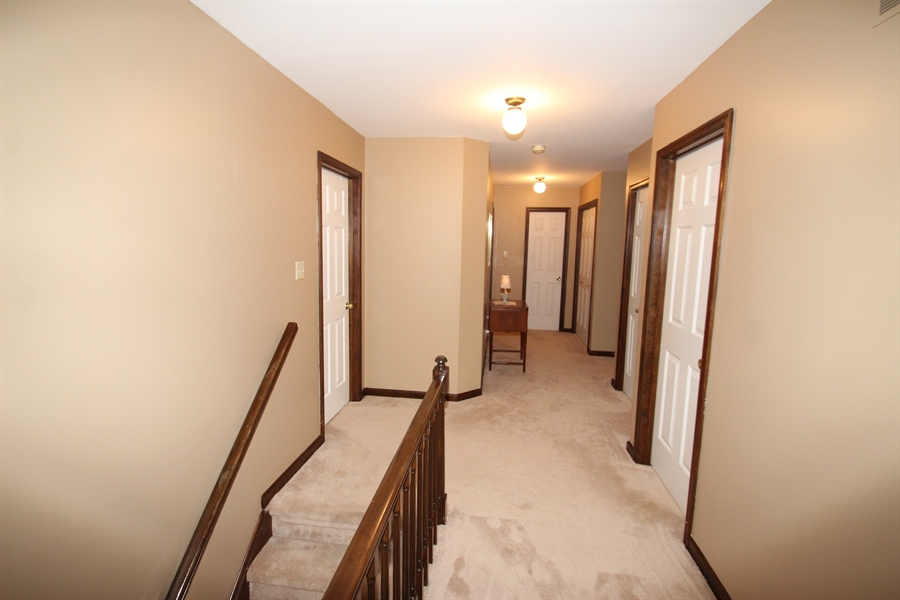 Real Estate Photography - 131 W Mill Station Dr, Newark, DE, 19711 - Upstairs Hallway