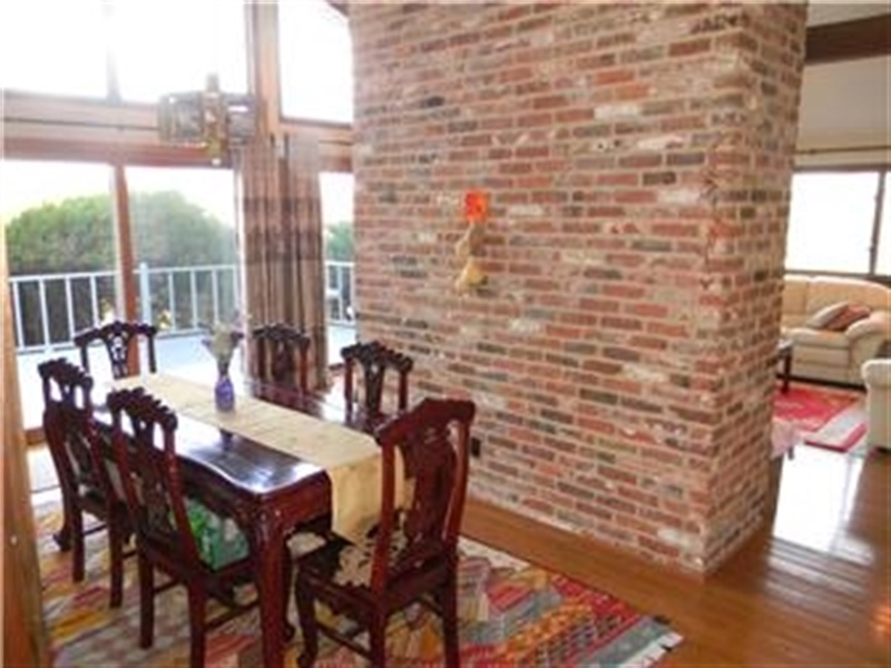Real Estate Photography - 25 N Rosemont Cir, Elkton, MD, 21921 - DINING ROOM sliders to DECK