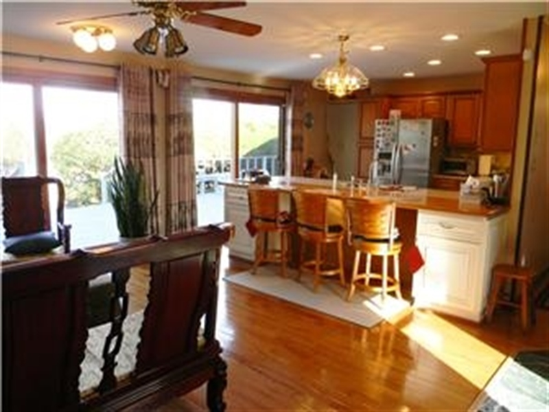 Real Estate Photography - 25 N Rosemont Cir, Elkton, MD, 21921 - FAMILY ROOM to KITCHEN