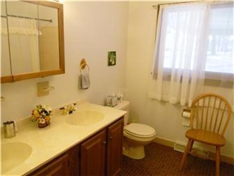 Real Estate Photography - 25 N Rosemont Cir, Elkton, MD, 21921 - BATH FOR BEDROOMS 3 & 4