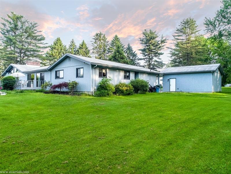 Real Estate Photography - 25 N Rosemont Cir, Elkton, MD, 21921 - BACK/SIDE