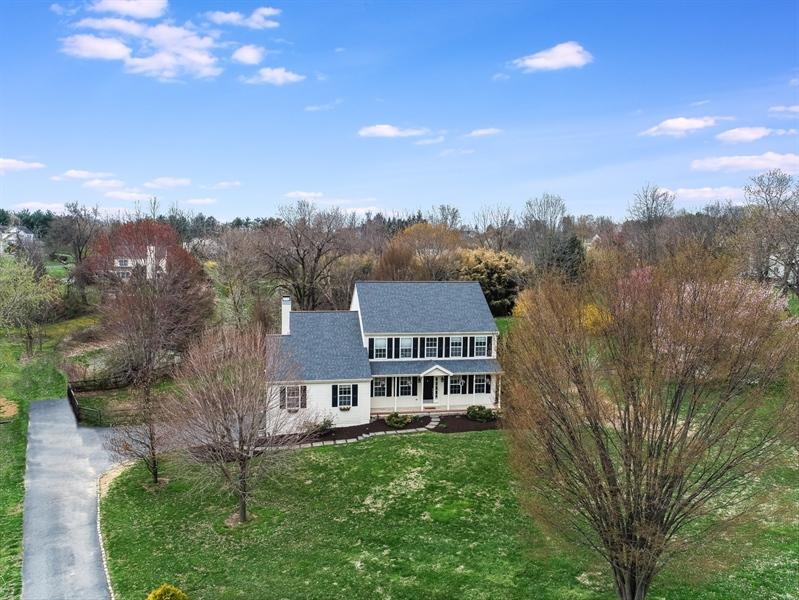 Real Estate Photography - 10 E Hunter Creek Ln, West Grove, PA, 19390 - Location 2