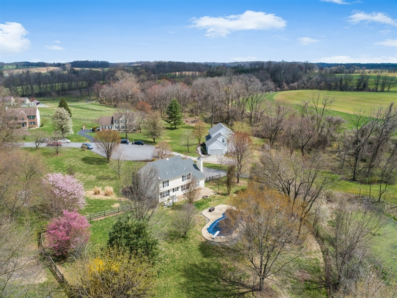Real Estate Photography - 10 E Hunter Creek Ln, West Grove, PA, 19390 - Location 6