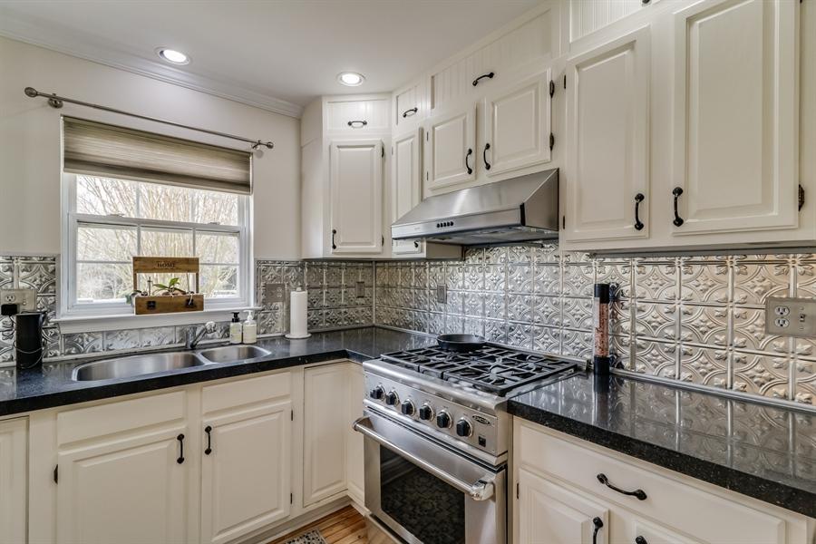 Real Estate Photography - 10 E Hunter Creek Ln, West Grove, PA, 19390 - Location 27