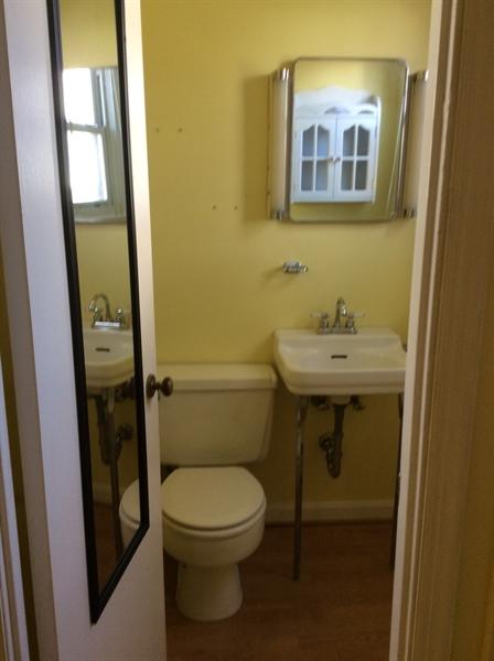 Real Estate Photography - 2000 Lincoln Ave, Wilmington, DE, 19809 - 1/2 bath bedroom 3