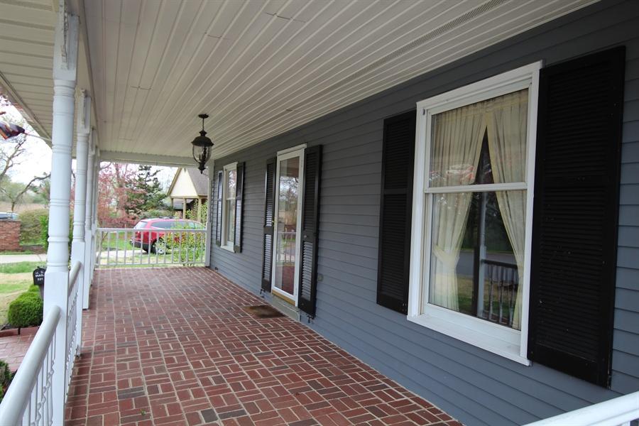 Real Estate Photography - 321 E 14th St, New Castle, DE, 19720 - Front porch