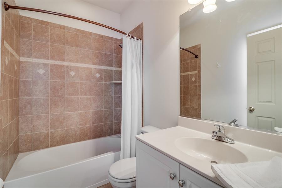 Real Estate Photography - 322 Ellenwood Dr, Middletown, DE, 19709 - Apartment bathroom