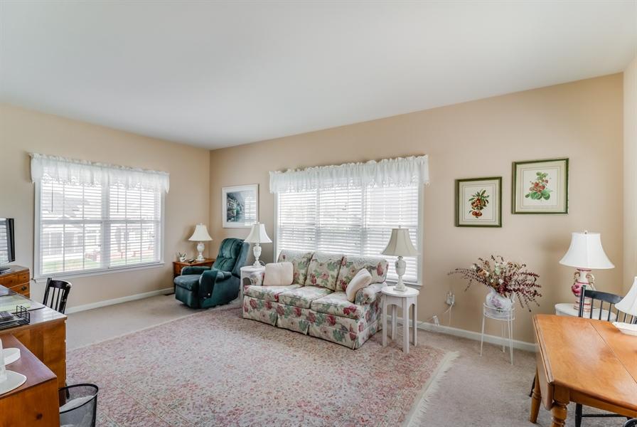 Real Estate Photography - 322 Ellenwood Dr, Middletown, DE, 19709 - Sitting room off master bedroom
