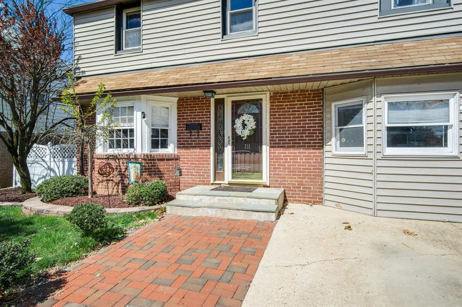 Real Estate Photography - 211 S Cleveland Ave, Wilmington, DE, 19805 - Location 2
