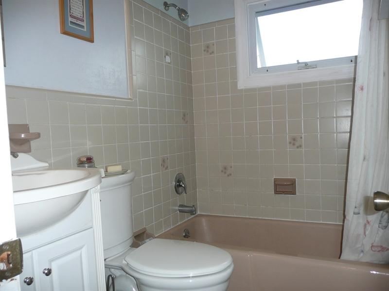 Real Estate Photography - 2161 Bent Lane, Aston, DE, 19014 - Location 16