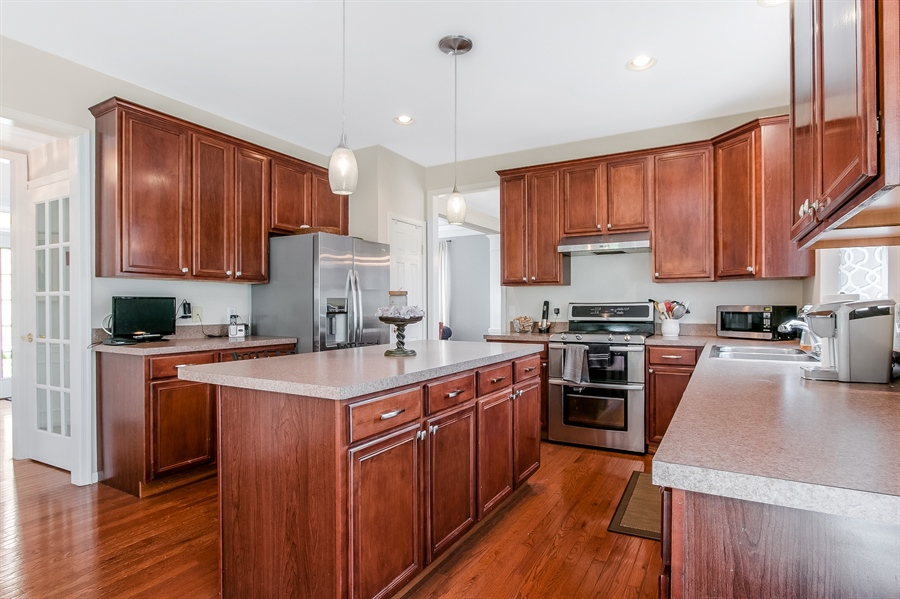 Real Estate Photography - 5 Rockwood Ct, Newark, DE, 19711 - Kitchen with Center Island