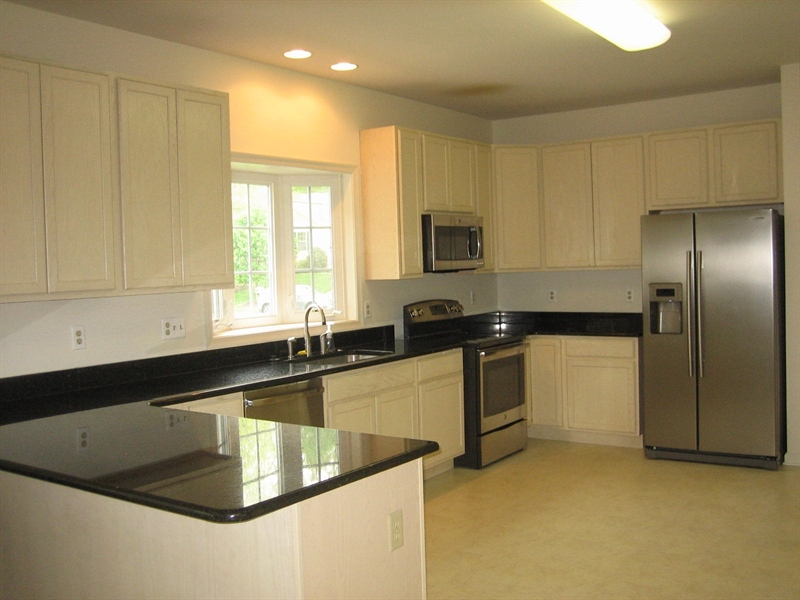 Real Estate Photography - 28 Oklahoma State Dr, Newark, DE, 19713 - Kitchen